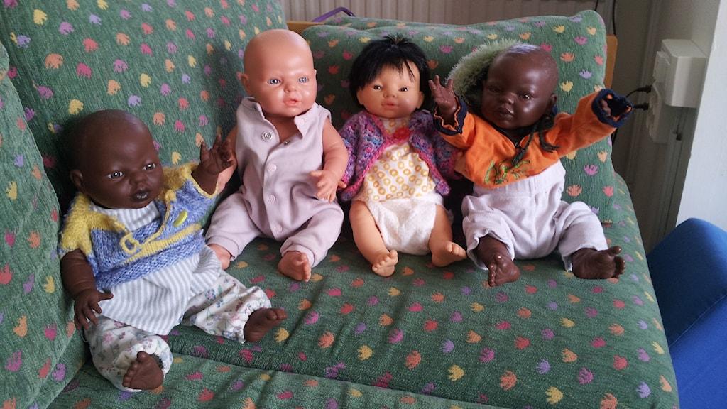 Många dockor innehåller gifter men inte just dom här. Foto: Nina Sjöman/SR