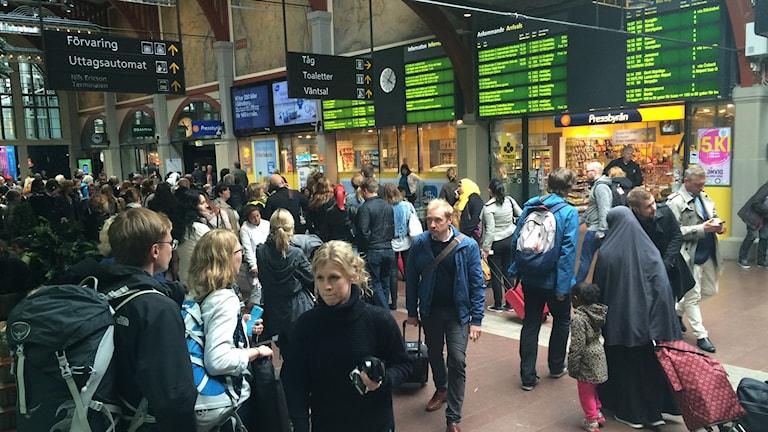 Опоздания и отмена поездов в Швеции не редкость. На вокзале в Гетеборге, поезда задерживаются. Фото: Susanne Ehlin/P4 Göteborg.