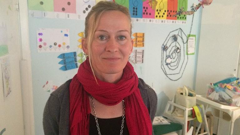 Ulrika Falk från Göteborgs Räddningsmission vill att alla ska få gå i skolan. Foto:Josipa Kesic/Sveriges radio