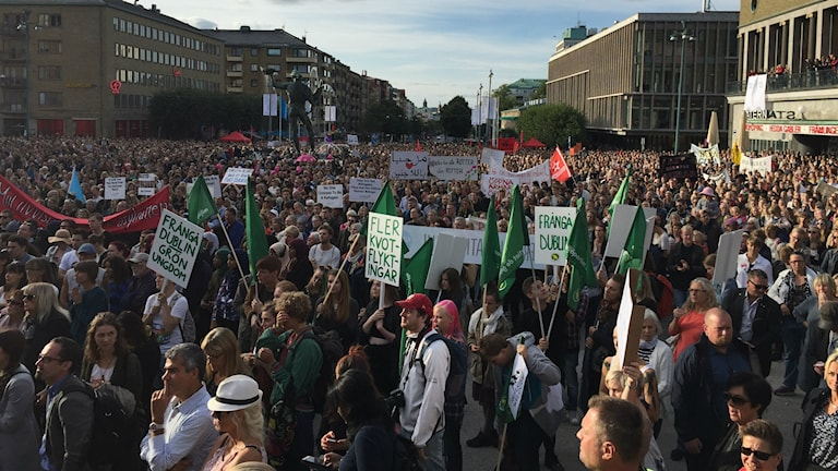 """""""Refugees welcome"""" demonstration in Gothenburg. Photo:Lina Persson/SR"""