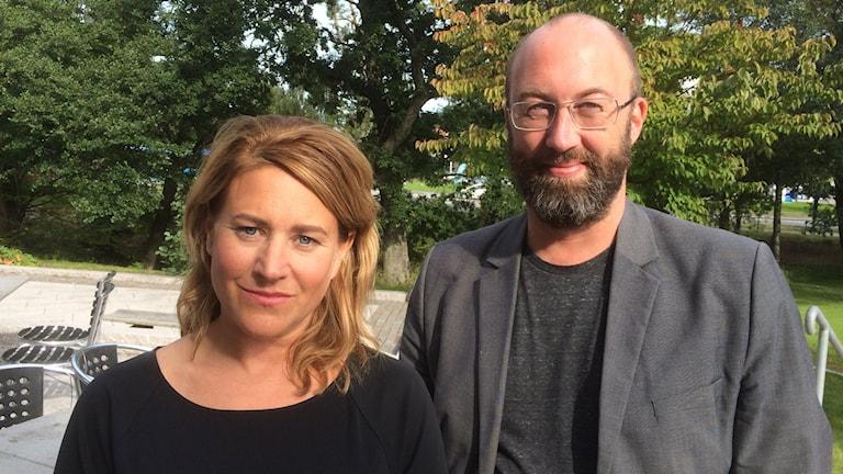 Beatrice Janzon och Jens Möller på Mölnlycke kulturhus. Foto: Peter Stenberg/SR
