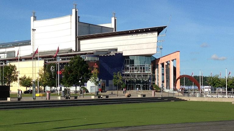 Göteborgsoperan, sett från Kanaltorget, med entrén.
