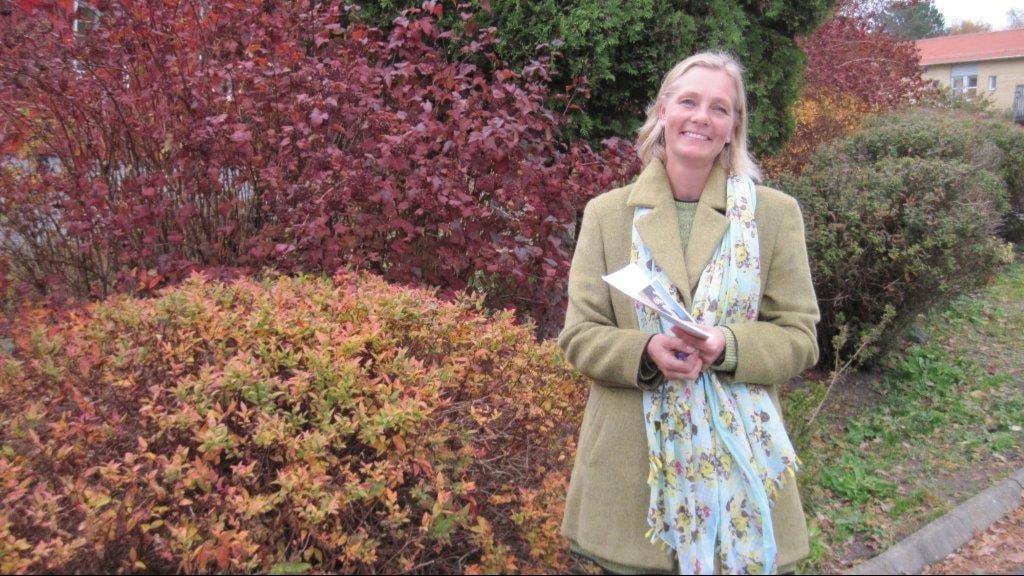 Emma Lyrdal, projektledare för Puzzlet  vid Bräcke diakoni hjälper rörelsenedsatta unga till arbete och praktik.