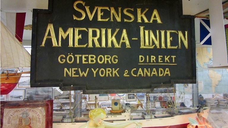 Svenska Amerikalinjen grundades 1915. Skylten finns bevarad på Marinmuseet i Varberg. Foto: Mats Carlsson-Lénart