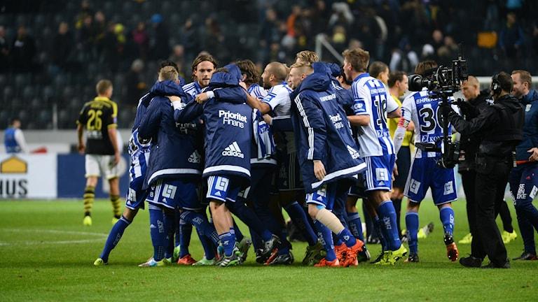 IFK Göteborg jublar efter att ha besegrat AIK i oktober på Friends Arena. Foto: Janerik Henriksson/TT
