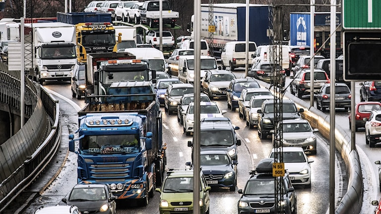 Bilköer på en stor väg. Foto: Tomas Oneborg/SvD/TT