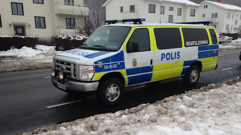Polisens insatsledning utanför HVBhemmet.