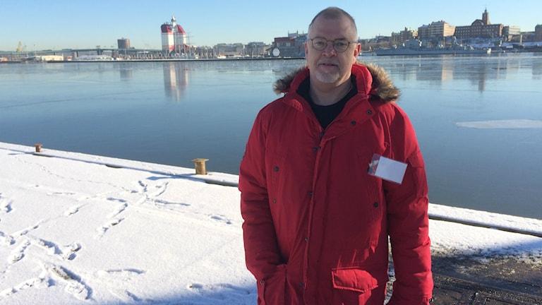 Carl-Olof Filipsson skadades av en våldsam patient under en ambulansutryckning.