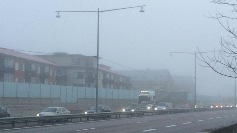 Köer på E20 efter olyckan i morse. Foto. Carina Holmberg/Sveriges Radio