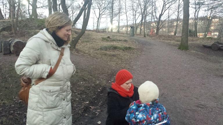 Nina och Elida har precis hämtat upp dottern från förskolan