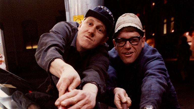 Anders Eriksson (t.v) och Jan Rippe som Roy och Roger inför filmpremiären på Macken.