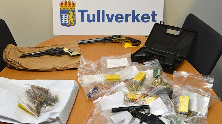 Tullverkets beslag av illegala vapen