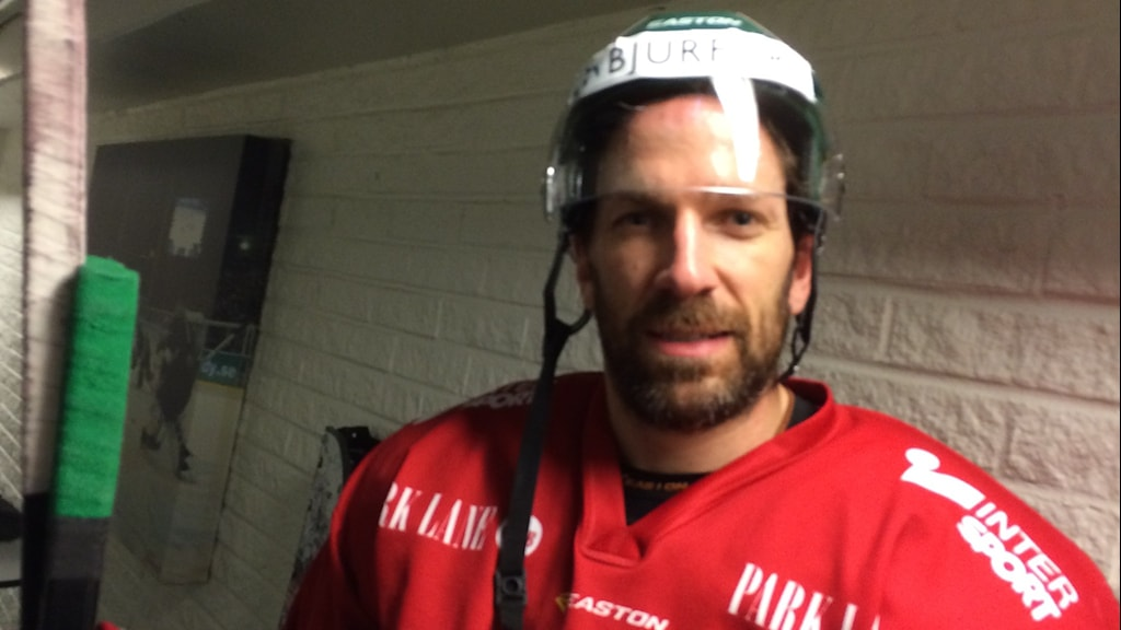 Frölunda hockeys lagkapten, Joel Lundqvist, efter träningen i Frölundaborg.