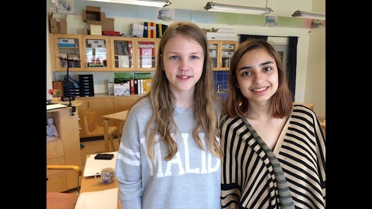 Anja och Carolina går egentligen på Fagrabäcksskolan i Växjö, emn idag hoppade de in som lärare på Kärraskolan på Hisingen.