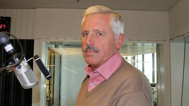 Blåvitts ordförande, Frank Andersson, säger att klubben tänker ta till hårdare åtgärder mot supportrar som bråkar.