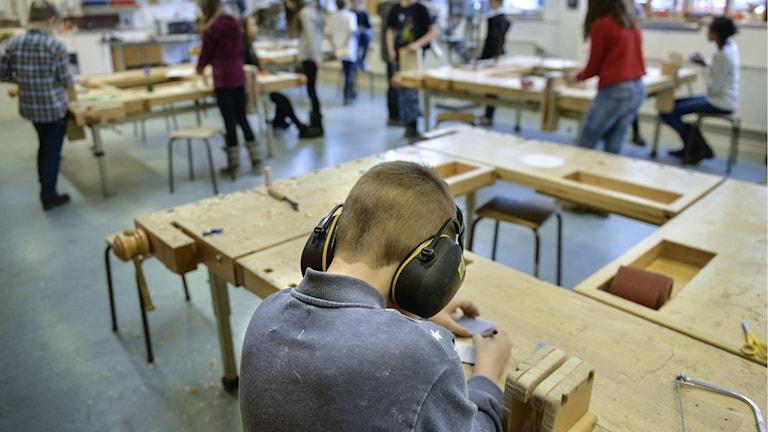 De tjugo skolor i Göteborg som tar emot flest nyanlända tar emot drygt 47 procent av dem om kommer till staden.