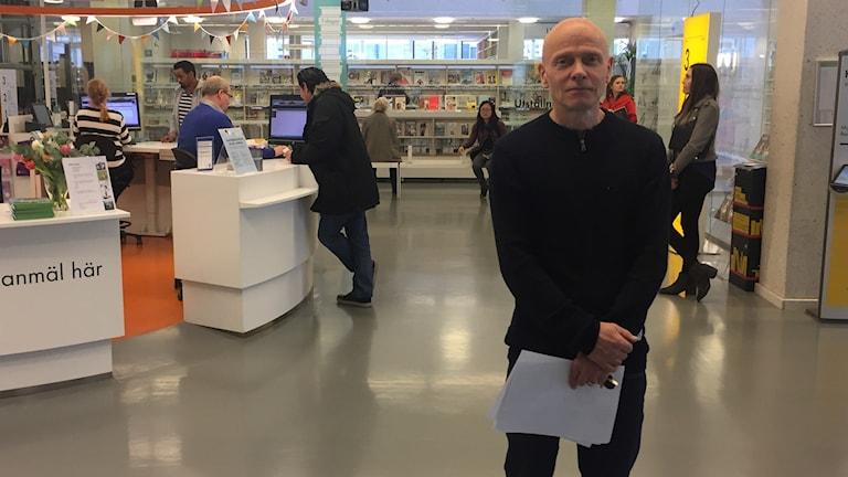 Bibliotekarie Håkan Grissler