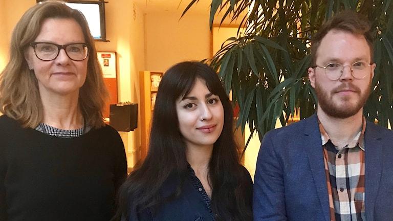 Professor Eva-Maria Svensson, Nina Pirooz juriststudent och Erik Björling doktor i rättsvetenskap deltog i panelsamtal om #metoo på Handelshögskolan i Göteborg.