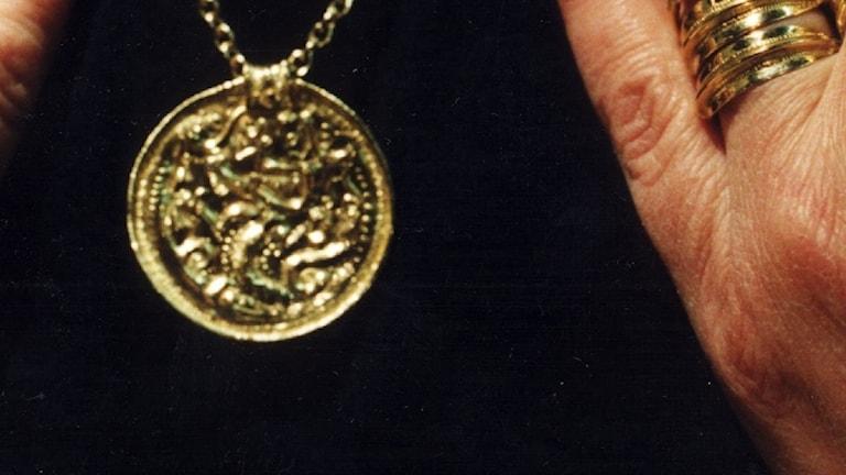 Ett guldhalsband