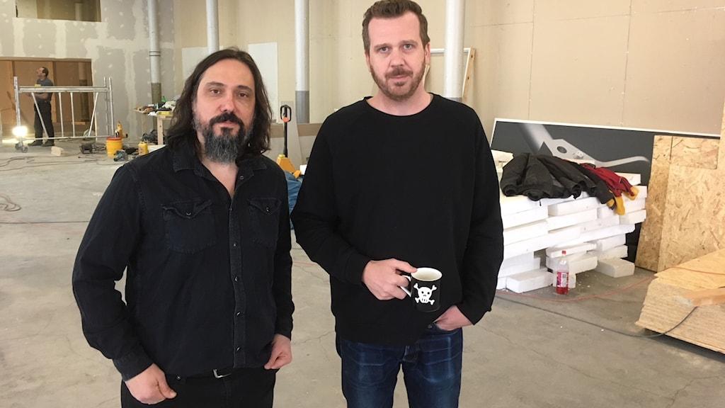 Pedro Ferreira och Göran Agnetun i lokalen som ska bli skivpresseri.