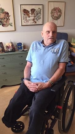 75-årige Lars-Erik Mårtensson stortrivs på Gerdas gård där han nu har bott i 1,5 år. Han deltar i det mesta av de aktiviteter som boendet erbjuder.