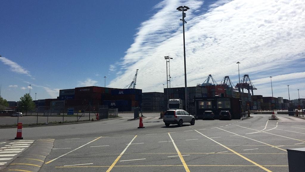 Vybild över containerhamnen i Göteborg.