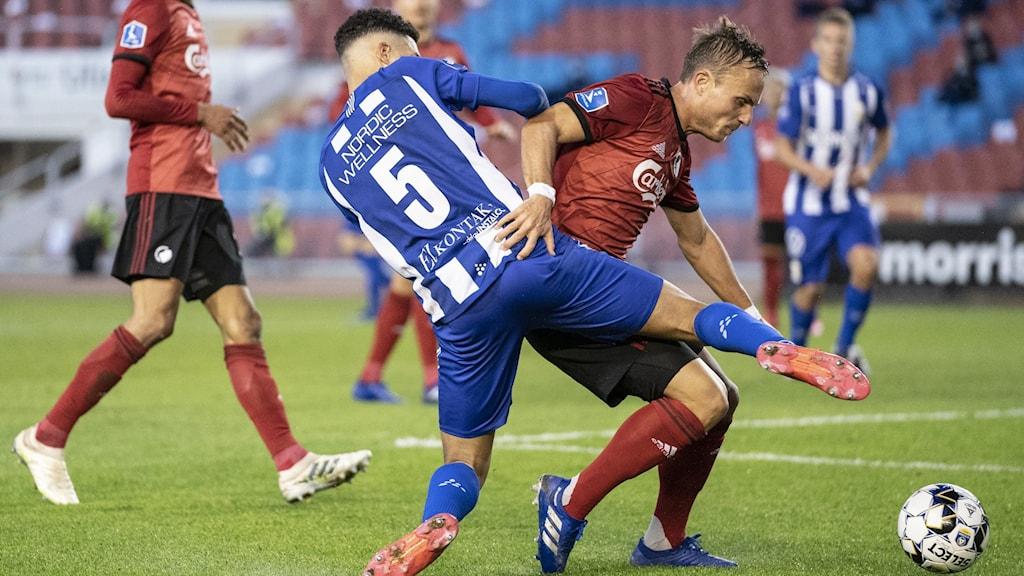 Fotbollspelare från Göteborg och Köpenhamn i närkamp