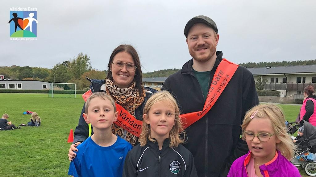 Två lärare och tre barn i Torslanda