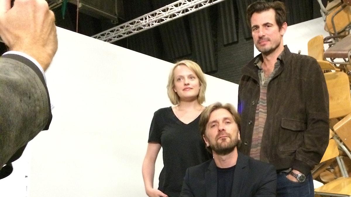 Ruben Östlund Claes Bang och Elisabeth Moss