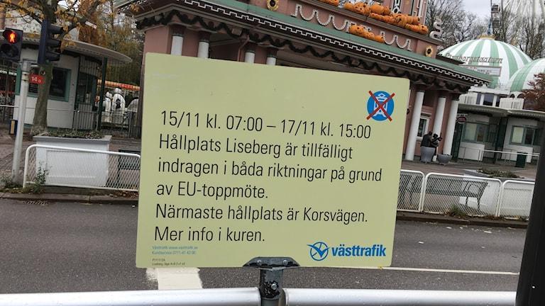 Skylt vid Lisebergs spårvagnshållplats