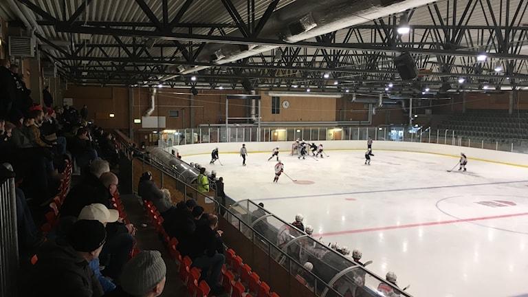 Ett finskt lag möter ett lag från landskrona.