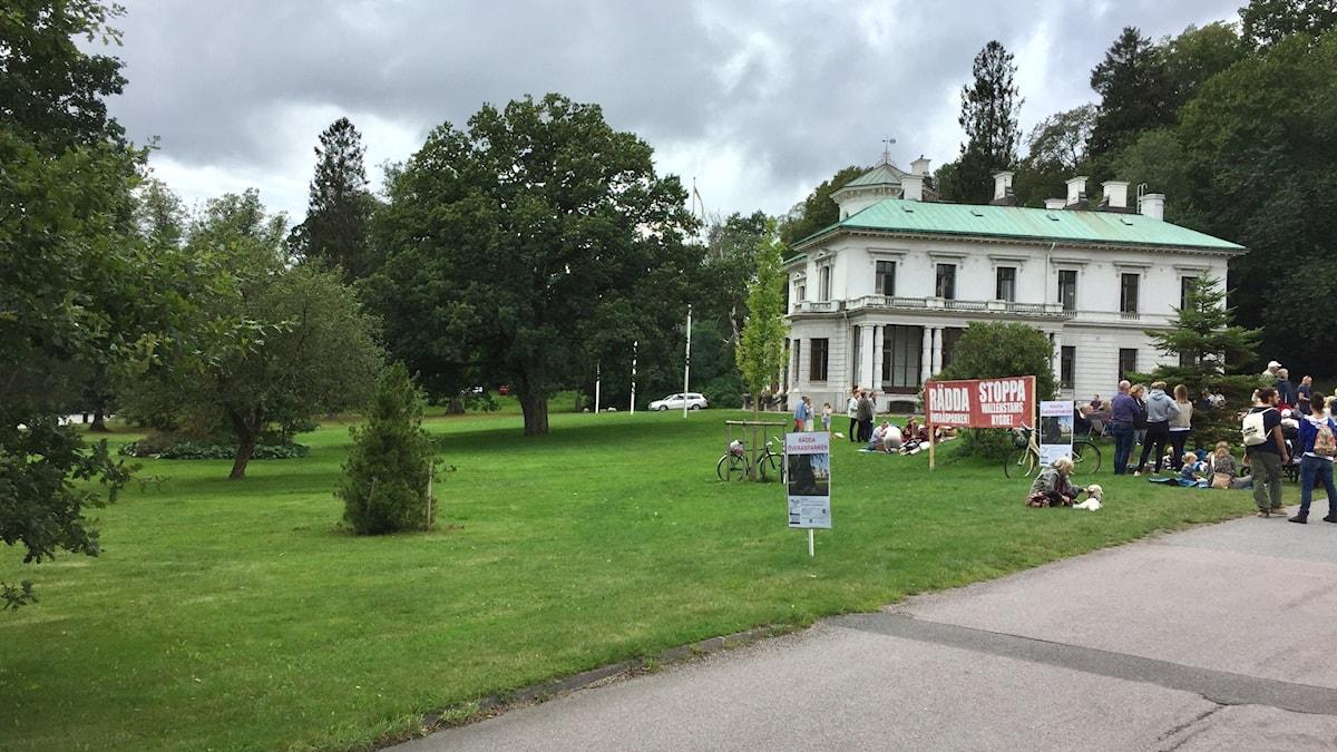 Demonstration vid Överåsparken i Örgryte