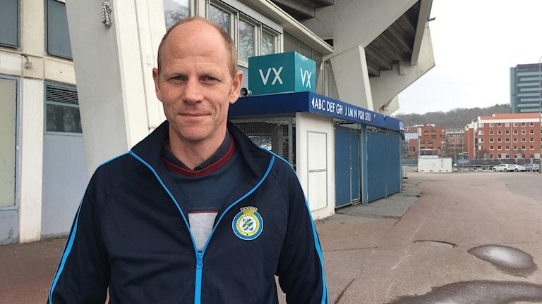 Patrik Gustafsson står utanför fotbollsstadion Ullevi.