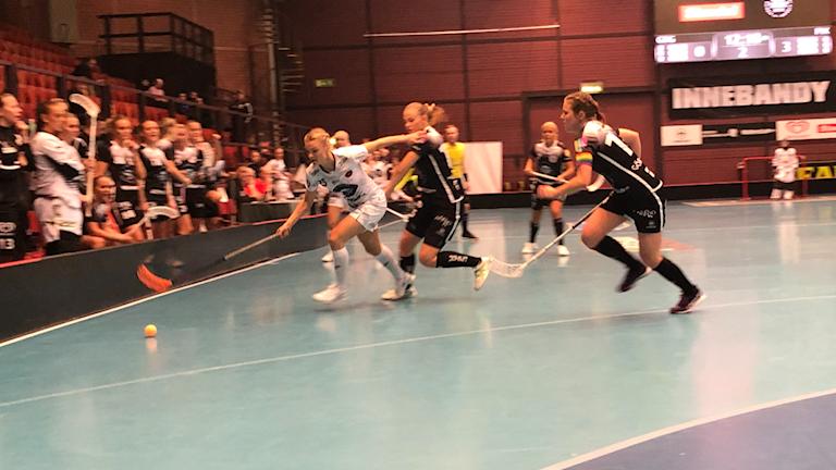 Pixbo-IBK Göteborg.