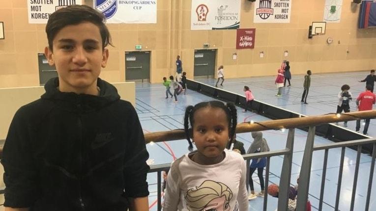 Muhammed och Miski på X-mas Games i Biskopsgården.