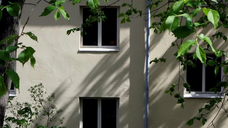 Fasad på lägenhetshus