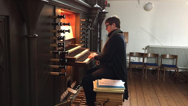 Ulrike Heider spelar på Hagakyrkans Marcussen-orgel från 1861