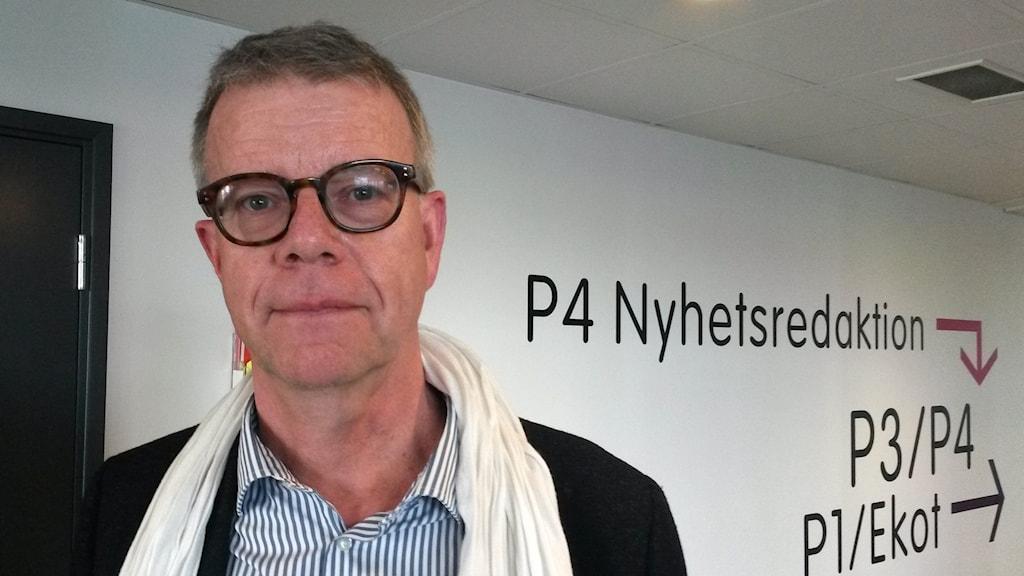 Thomas Ahlstrand i korridoren hos P4 Göteborg