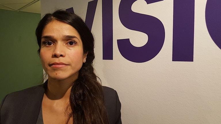 Ronja Morales Nilsson ombudsman på Vision på Visions kontor.