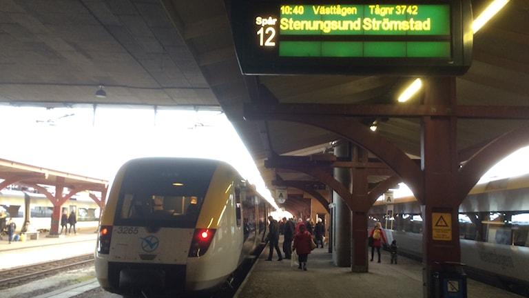 Tåg Bohusbanan vid Göteborgs Central annandag jul