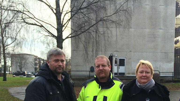 Tre personer, alla boende på Långströmsgatan i Biskopsgården