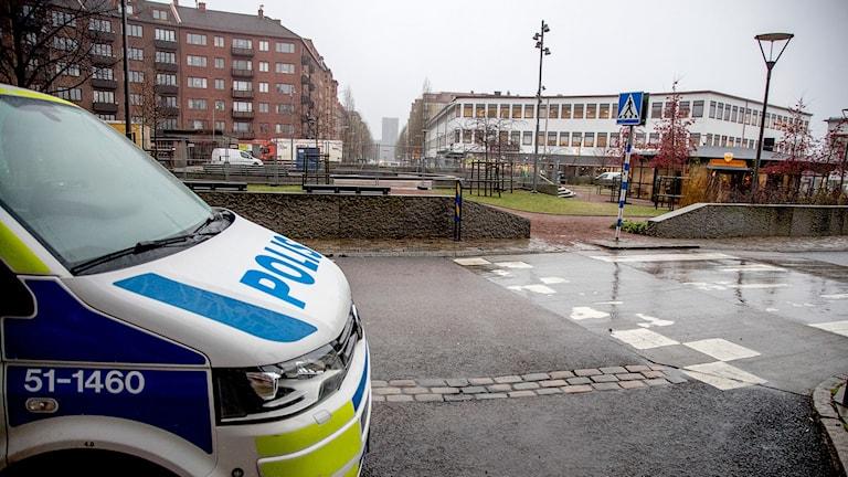 En polisbil vid Odinsplatsen i Göteborg.