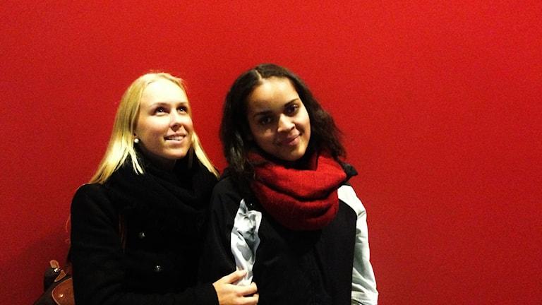 Julia Andersson Pietarinen och Annabel Aroka. Foto: Kai Rauhansalo