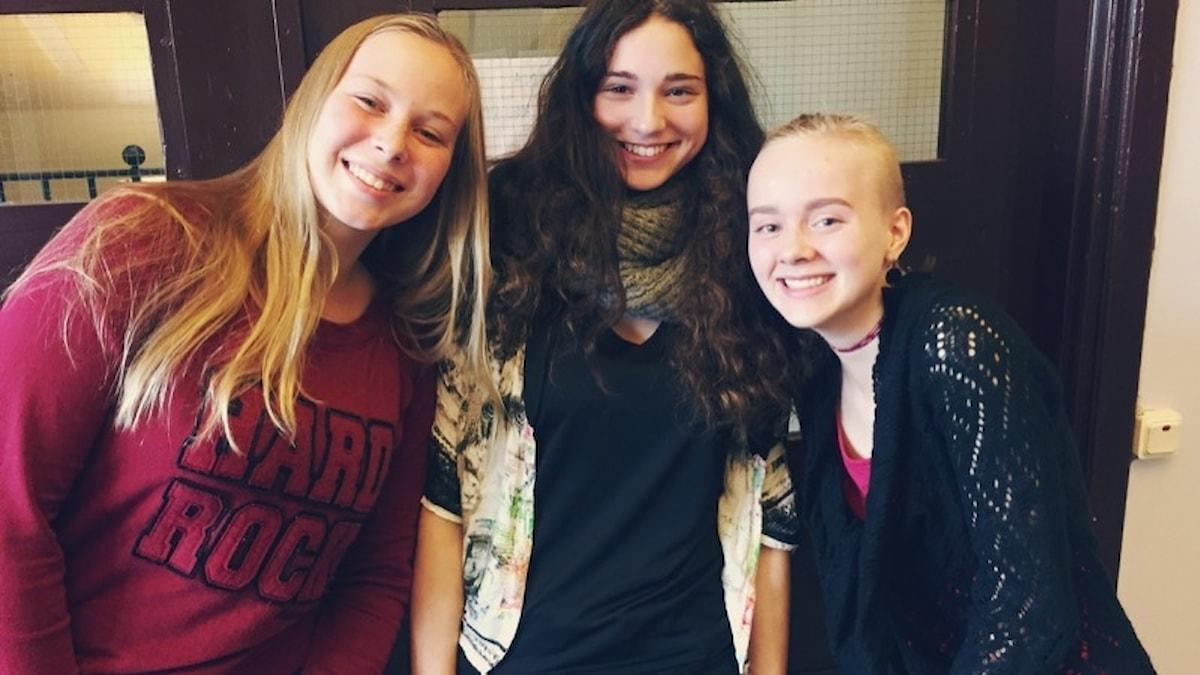 Ellen, Lia ja Quinn pohtivat tulevaisuuden ammatteja.