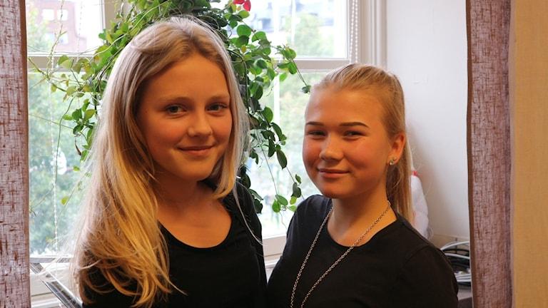 Olivia Leikman och Teresa Heino i sverigefinska skolan i Fridhemsplan