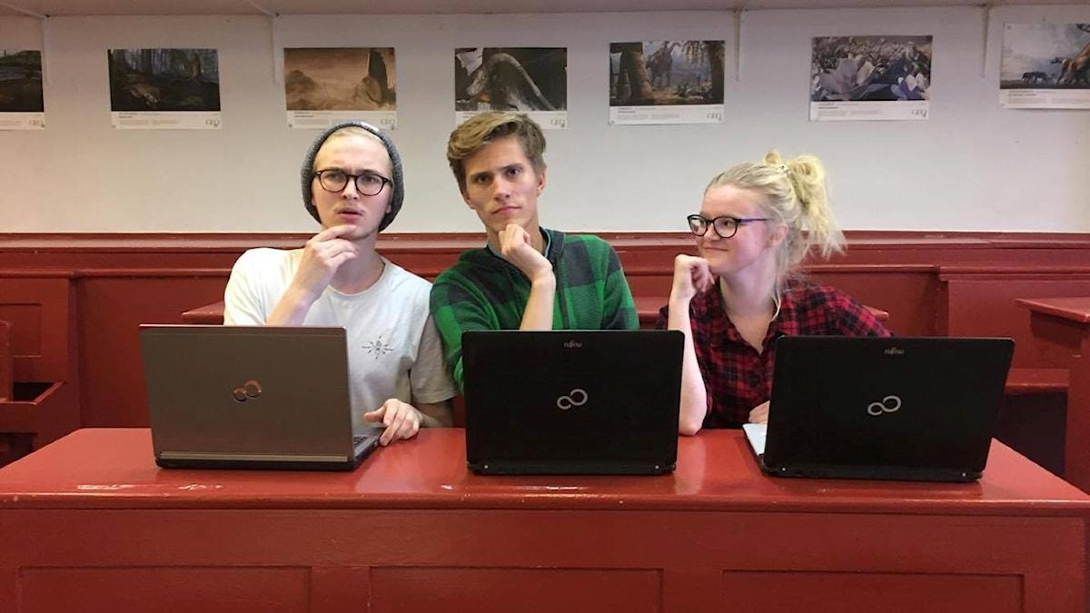 Ahti Brummer, Arthur Rinne ja Lotta Kokko pohtivat ruotsinkielen pakollista opiskelua.