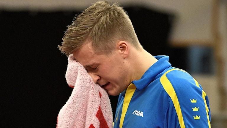 Mattias Karlsson ledsen efter finalen.