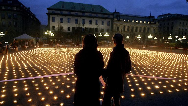 Ljusmanifestation arrangerad av Cancerfonden.