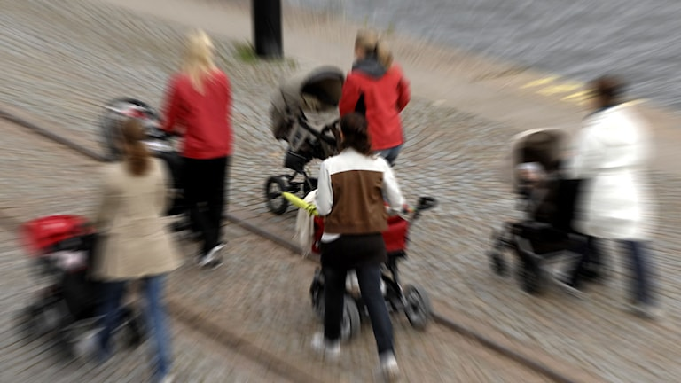 Kvinnor med barnvagnar. Foto:Hasse Holmberg/Scanpix