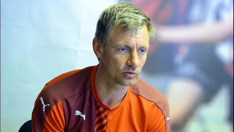 Patrik Rosengren tränare i Mjällby på pressträff efter matchen mot Oskarshamn. Foto: Torbjörn Sunesson.